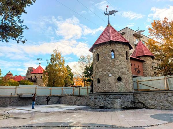 Завершение ремонта бассейна в Андерсенграде